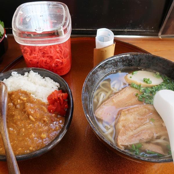 三枚肉そば・小(500円)+キーマカレーセット(280円)