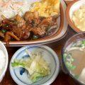 首里の人気食堂「ななほし食堂」でチキン照焼き定食