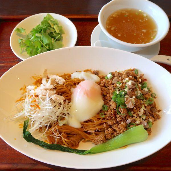 本場四川汁なし担々麺(980円)+パクチートッピング