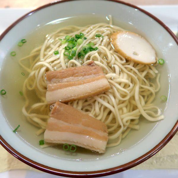 三枚肉(並)すば(590円)