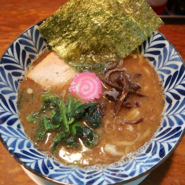 とんこつ魚介ラーメン(700円)