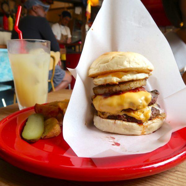 ダブルチーズバーガー+パイナップル+目玉焼き