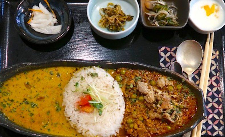 大阪で人気のカレー屋「旧ヤム邸」で2盛りカレー