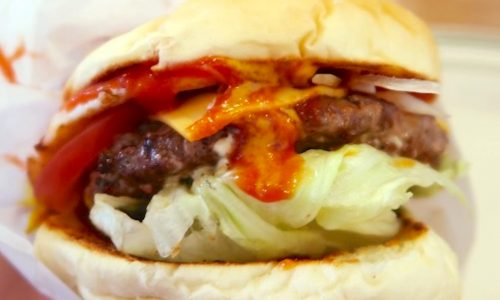 ゴーディーズ オールド ハウスでチーズバーガー+フライドエッグ