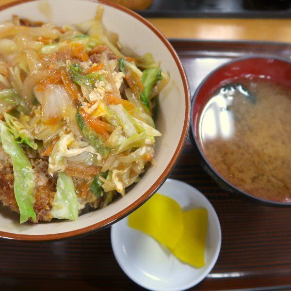 カツ丼(600円)