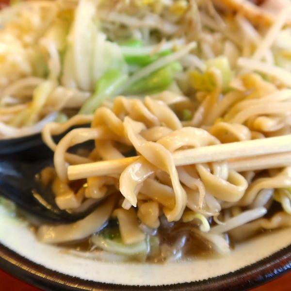 麺は沖縄そば