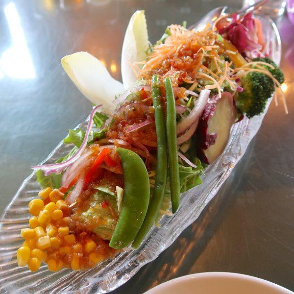 季節の菜園サラダ(820円)