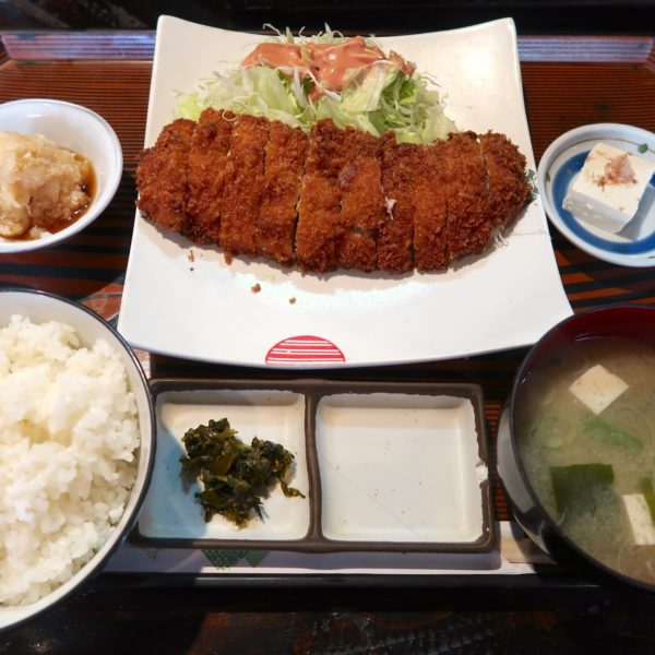 ミルフィーユかつ定食(1,300円)
