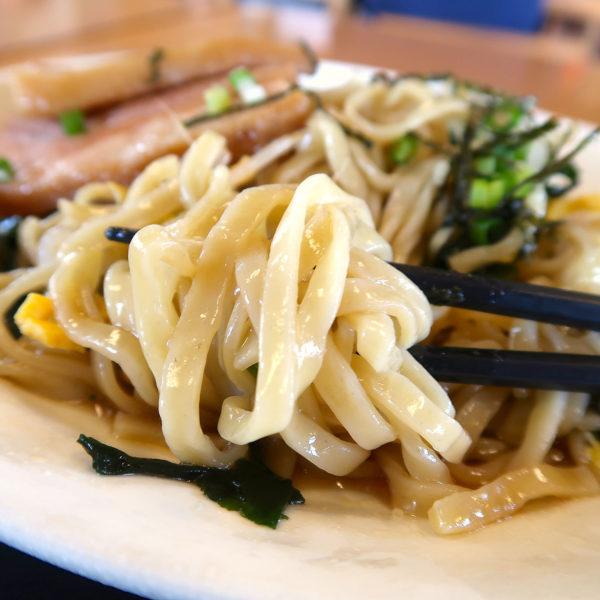 ぷるんぷるんの沖縄そば麺