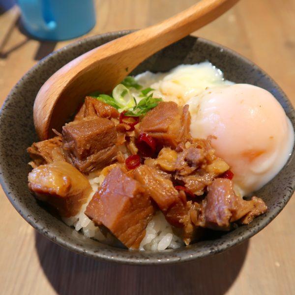 チャーシュー丼(350円)