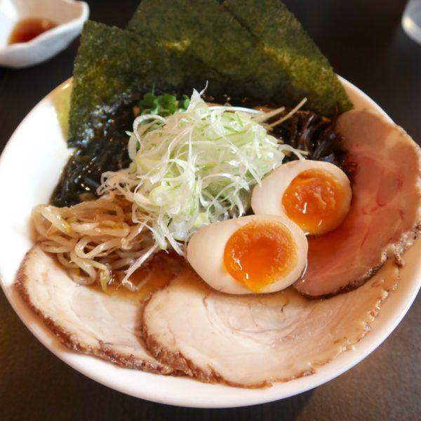 アゴだし×鶏だし醤油そば スペシャルトッピング(1,050円)