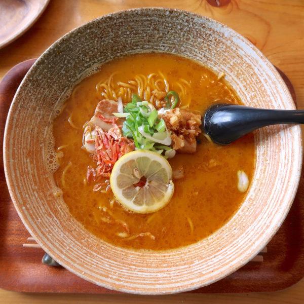 鶏白湯海老拉麺(800円)