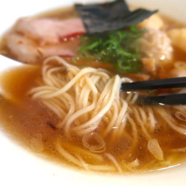 スープも麺も綺麗