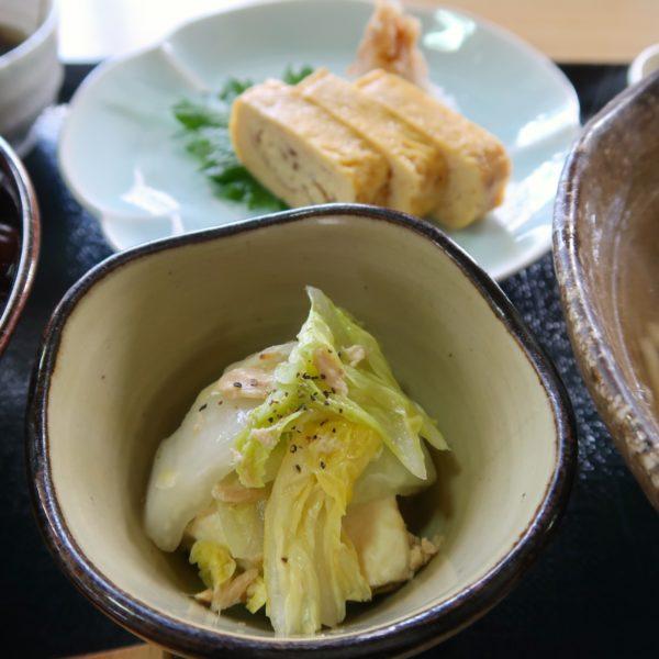 白菜と豆腐、厚焼き玉子