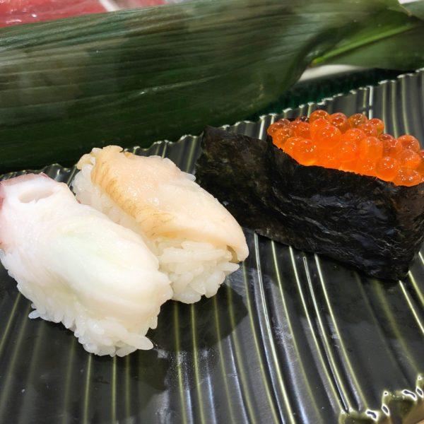 水ダコ(150円)、活ツブ(400円)、イクラ