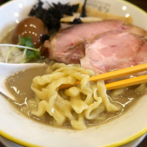 極太麺に特濃スープ