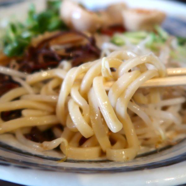 歯ごたえある太麺
