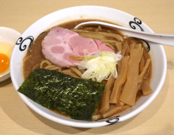 濃厚熟成醤油らーめん・卵(790円) メンマ増し(100円)